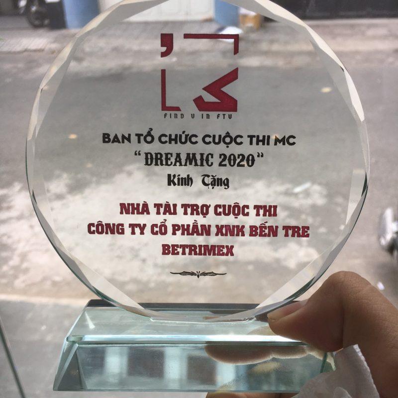 Tư vấn quà tặng đại hội hội chữ thập đỏ in logo theo yêu cầu giá rẻ tại quatangsg