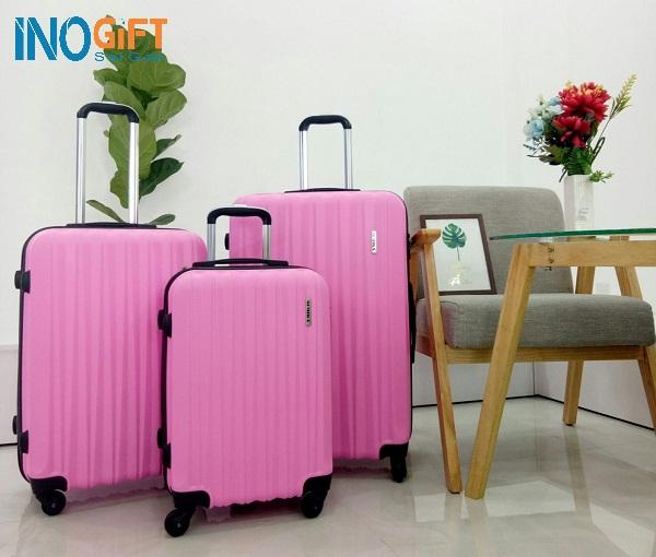 Đặt mua vali quà tặng in logo làm quà tặng khách hàng của ngân hàng ở đâu tại tphcm
